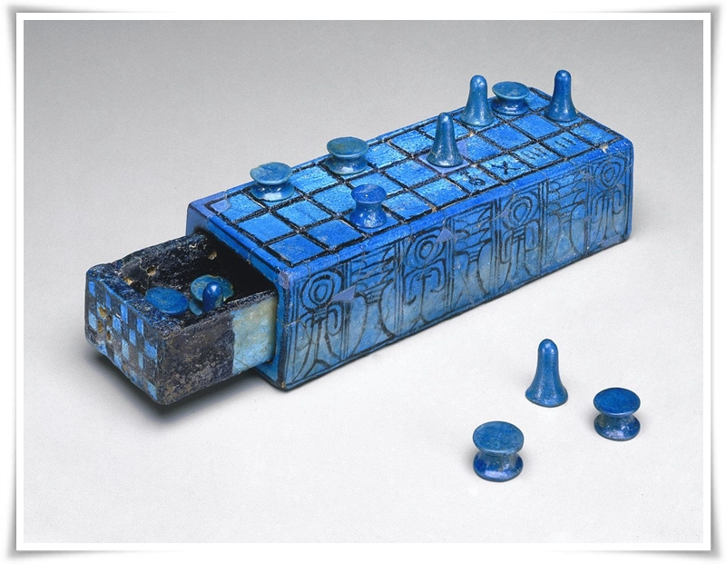 Сенет из фаянса фараона Аменхотепа III. Бруклинский музей